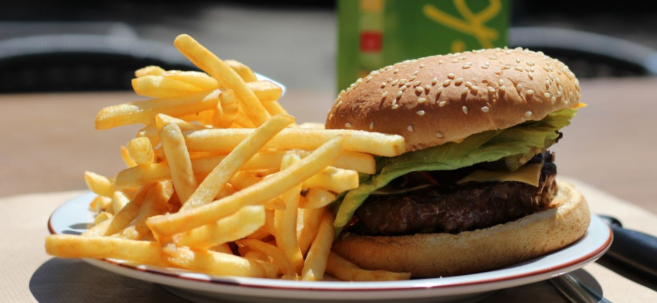 Camping Lac de Carouge - Le cheeseburger Carouge.